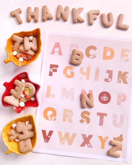 FREE DOWNLOAD: Thanksgiving ABC & Number Prints